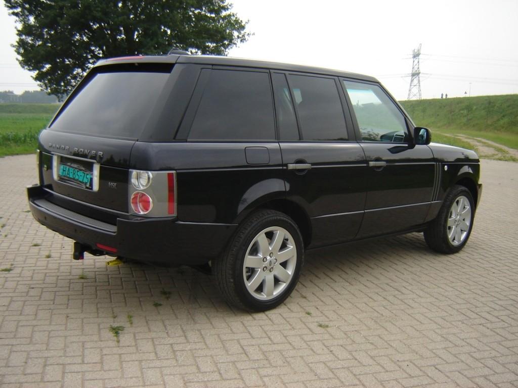Rechterzijde grijze Range Rover