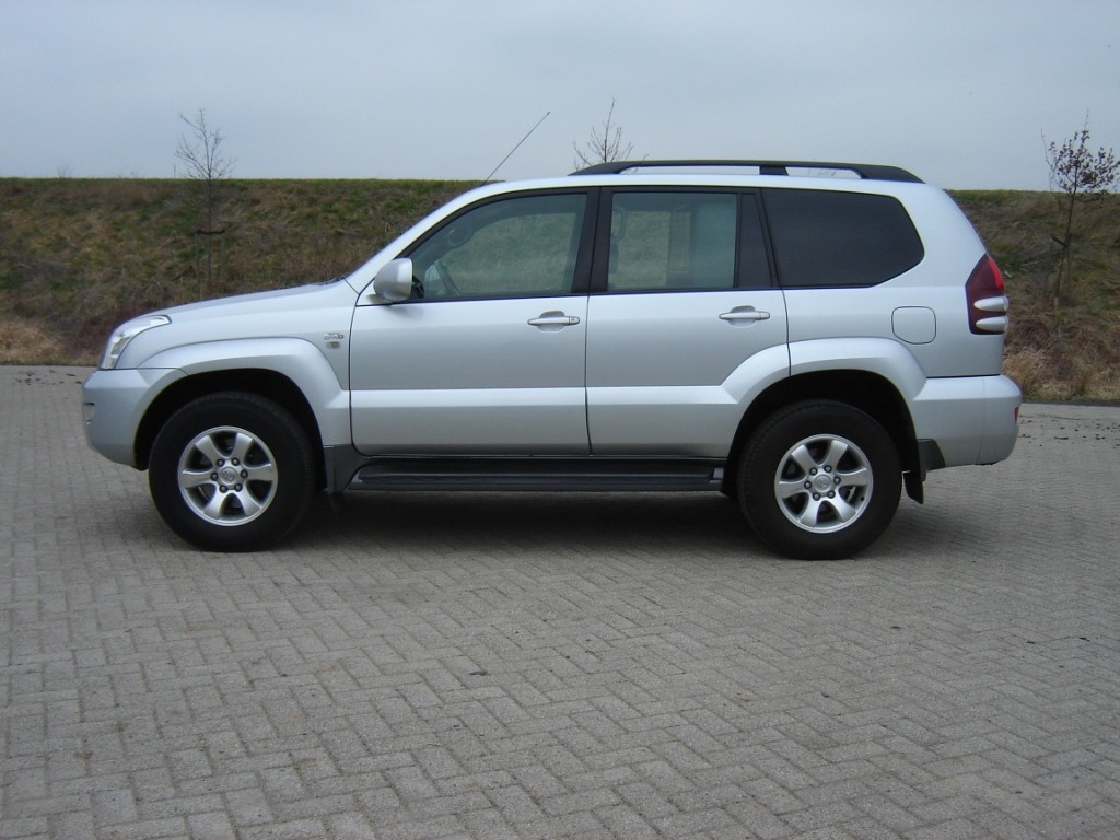 Toyota Landcruiser 120 grijs kenteken