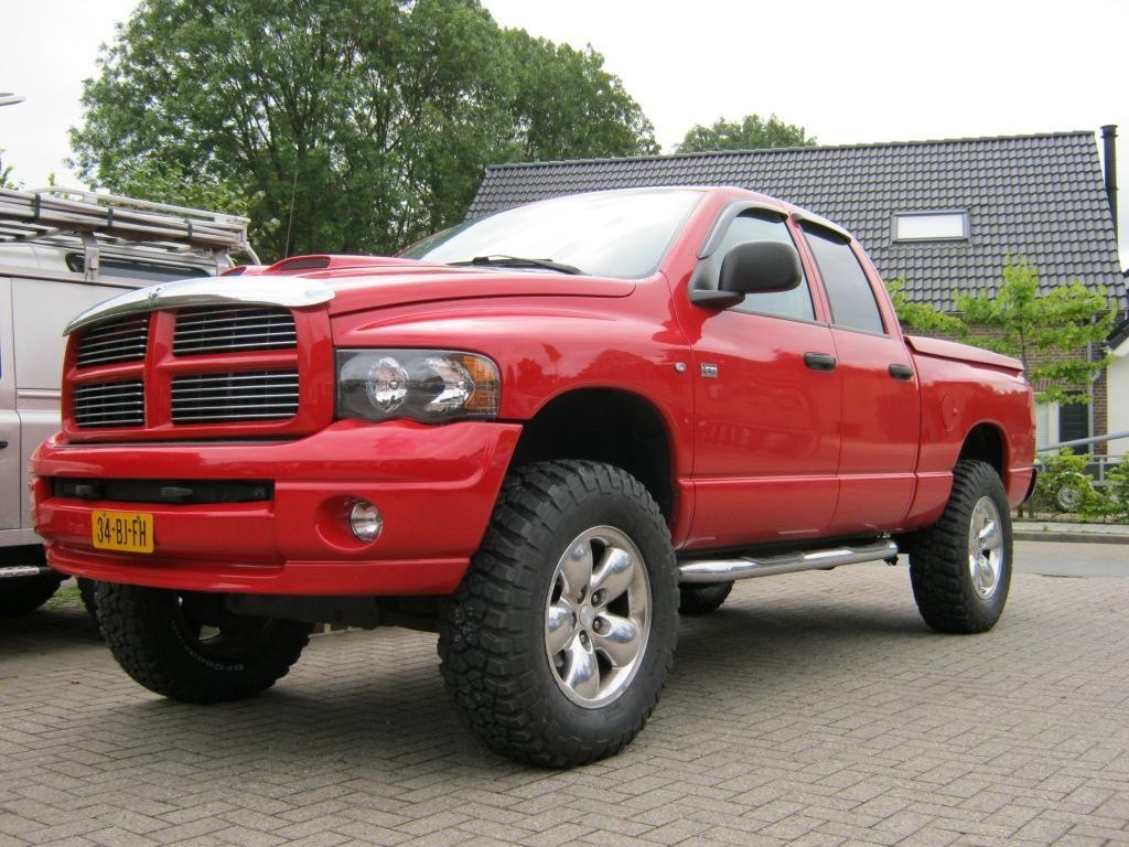 Dodge Ram met 35 inch modderbanden