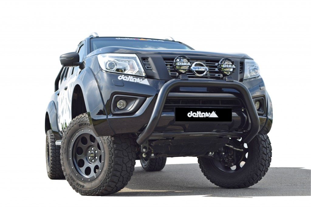 Nissan Navara pickup The Beast by Saris 4x4