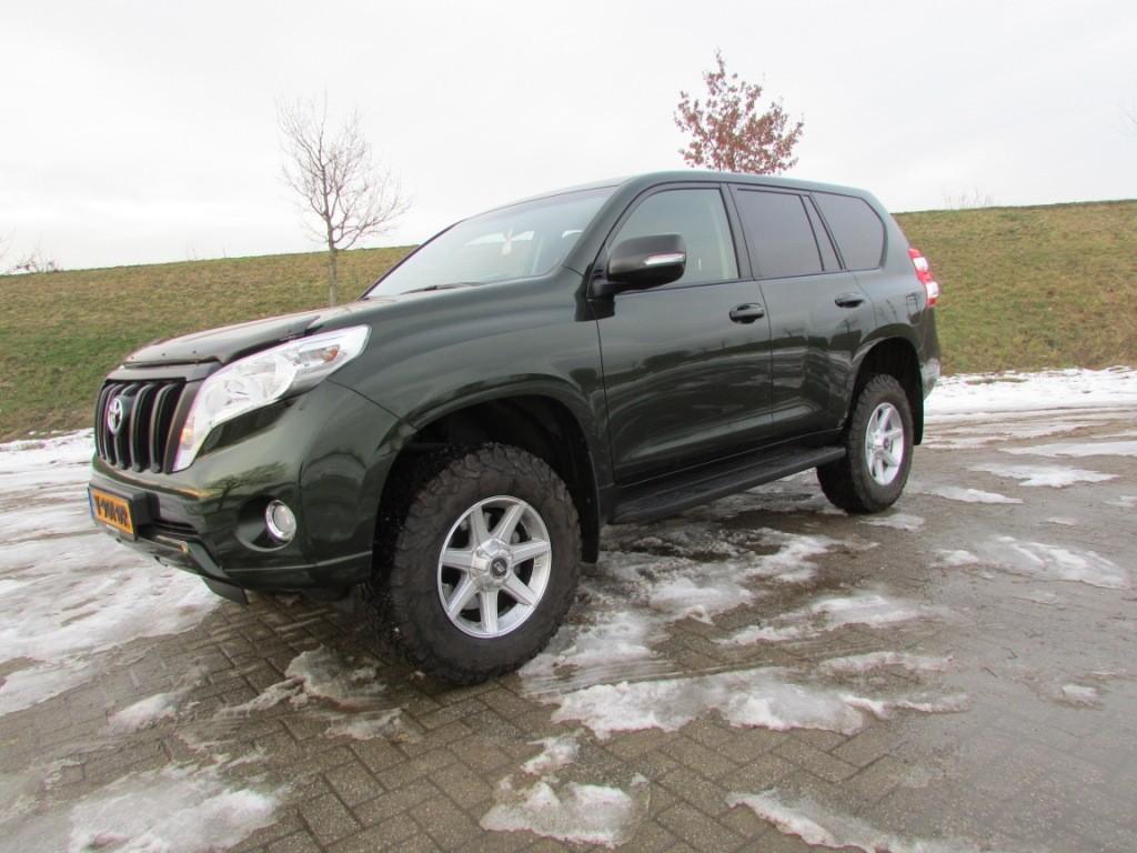 Toyota Landcruiser 150 5-deurs grijs kenteken import importeren bpm vrij