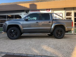 VW Amarok 50 mm bodylift OME veerpakket en AT banden